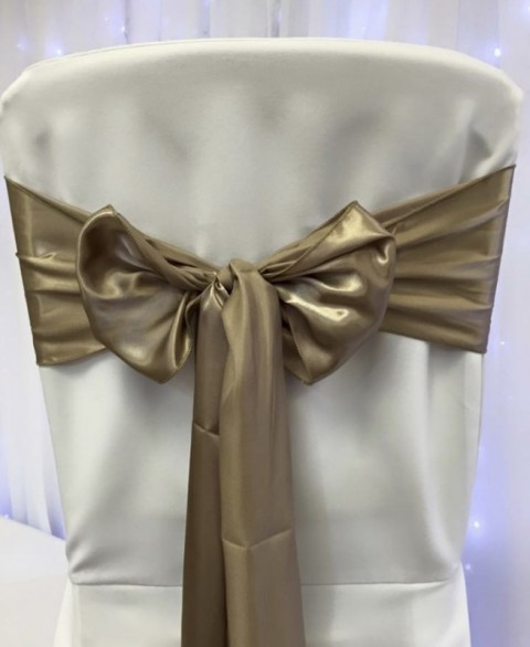 Sand satin. Hire price £1. Replacement value £4 each.