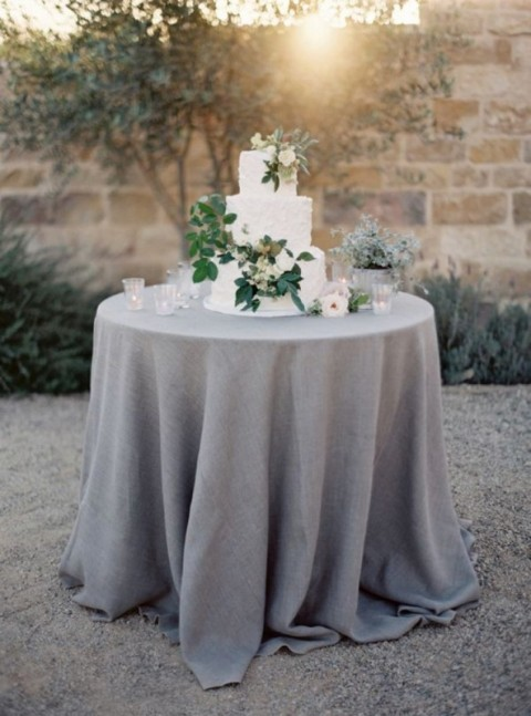 Hessian and lace linen