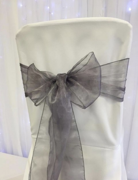 Lavender organza. Hire price £1. Replacement value £3 each.