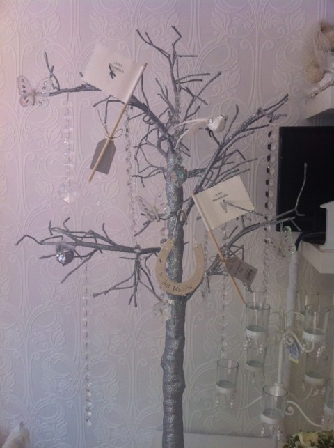Silver wishing tree for guests wishes