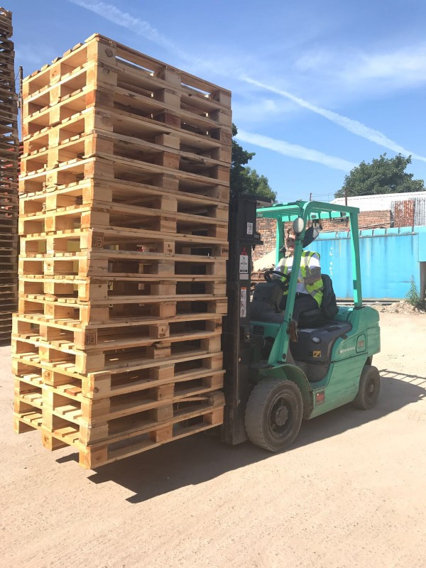 Putting Pallets onto the Lorry