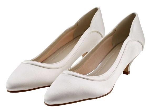 HOLLIE - Ivory satin low heel court shoe £75
