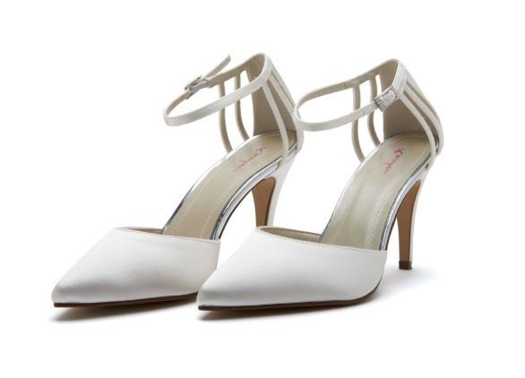 KENNEDY - Ivory satin court shoe