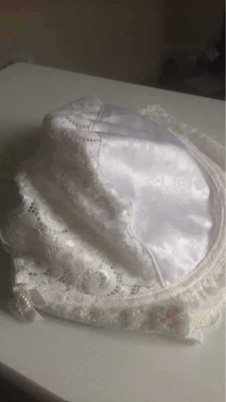 for sale  brand new with tags white underwired 40F bra £5  ref 7