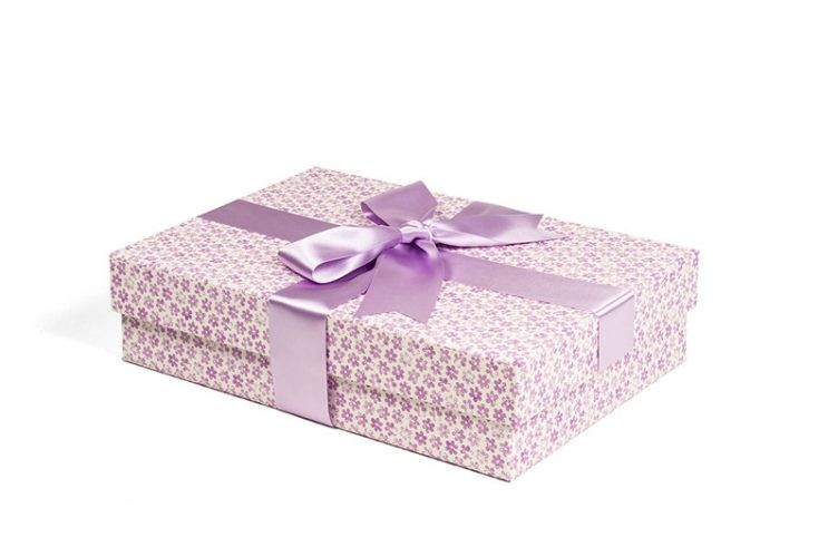 Medium Wedding Dress Box - Shown in Ditsy Lilac