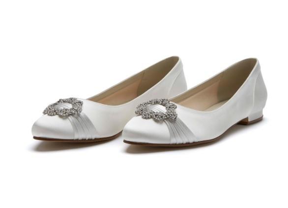DULCIE - Ivory satin pump shoe