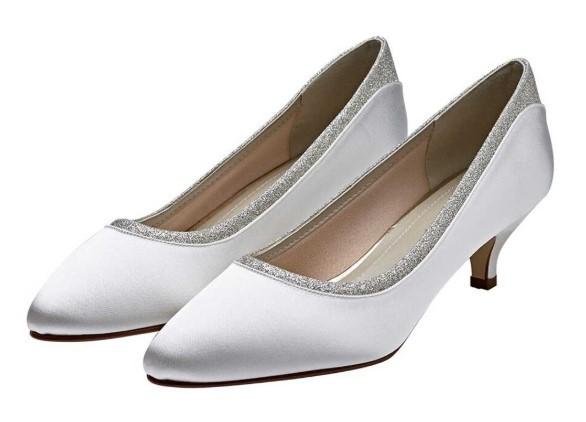 BOBBIE - Ivory shimmer low court shoe £79