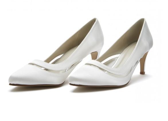 SOFIA - Ivory satin court shoe