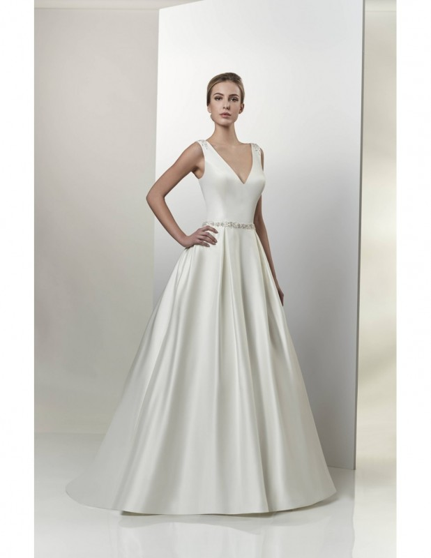 Colour: Ivory   Size:16   /  Satin a-line gown with a v-neckline and plunging back