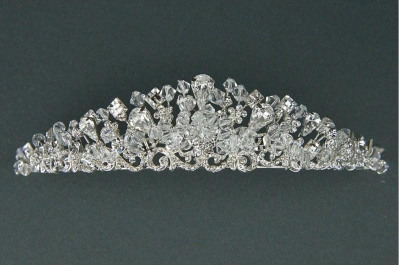 TWILIGHT DESIGNS - TLT4568 - Swarovski stones, crystal & diamante tiara £140