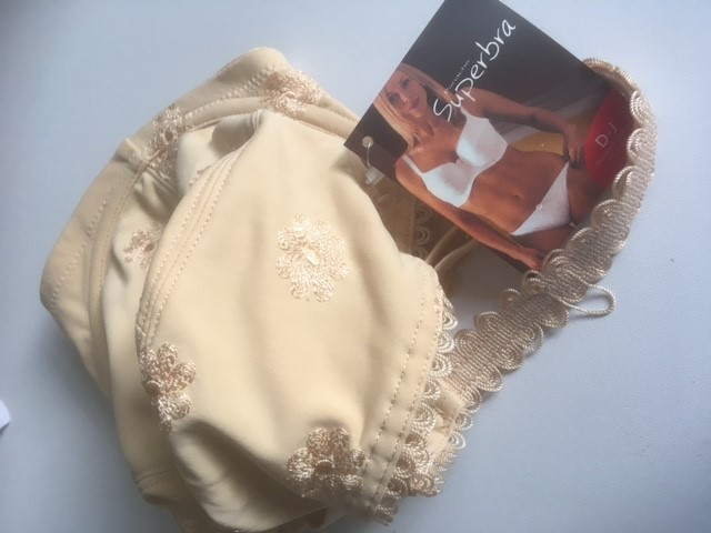 for sale  brad new with tags underwired 32FF nude colour bra  ref 8
