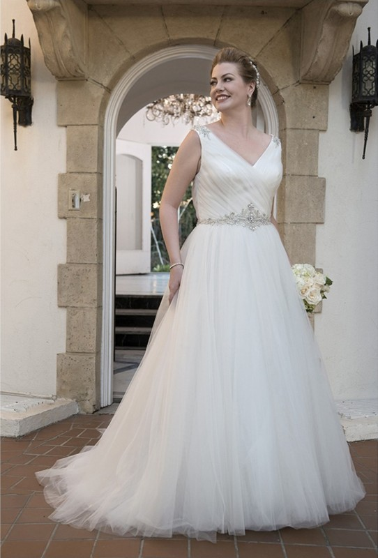 VW8684 - V-neckline rouched bodice with Beaded waistband and tulle ballgown