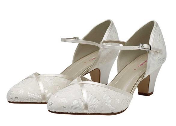 SHIRLEY - Classic lace court shoe £79