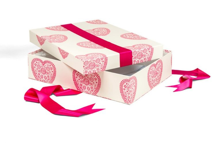 Medium Wedding Dress Box - Shown in Sweetheart Fuchsia