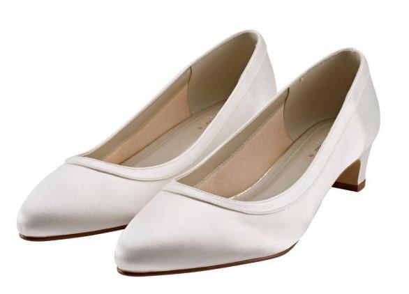 GISELE - Wide fitting ivory satin court shoe £75