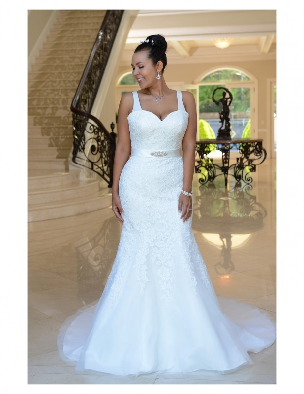 Colour: Ivory   Size:22  / Cascading lace mermaid gown with beaded band and lace up back