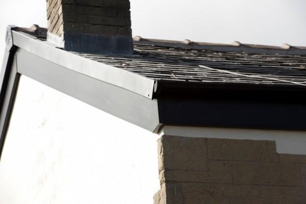 Black fascias & black continuous dry verge