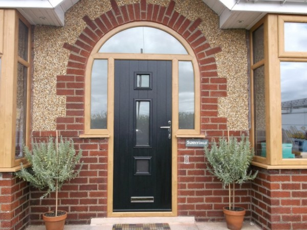 Irish Oak Arched Frame With Black Composite Door