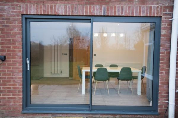 Aluminium  sliding patio door (Anthracite grey)