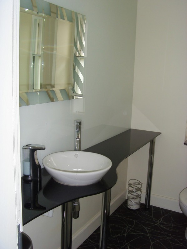 Bathroom Work Top in Black Sparkle Glass