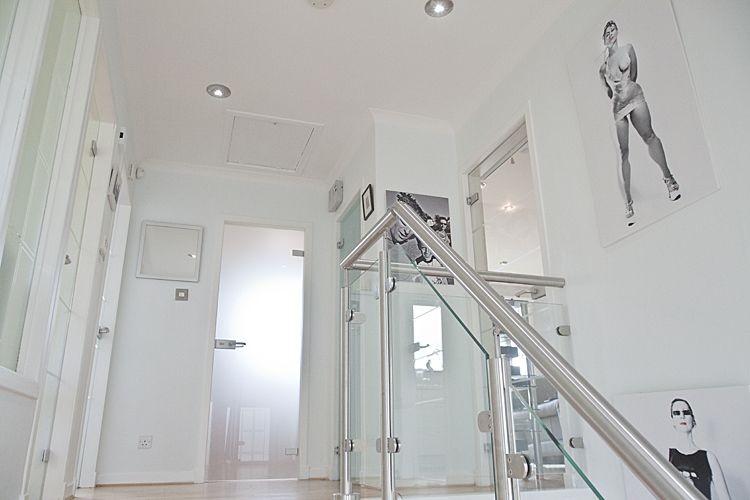Balustrade & Door