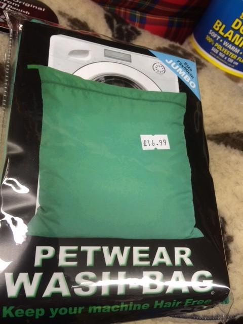 Pet bed/wear wash bag