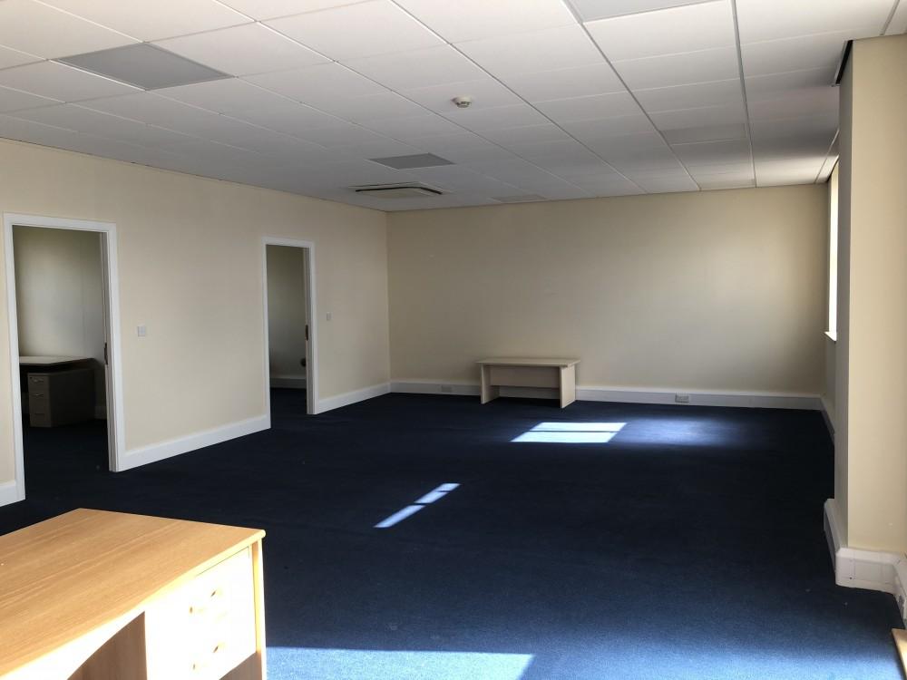 Unit 9 Bartle Court Business Centre, Rosemary Lane, Bartle PR4 0HB