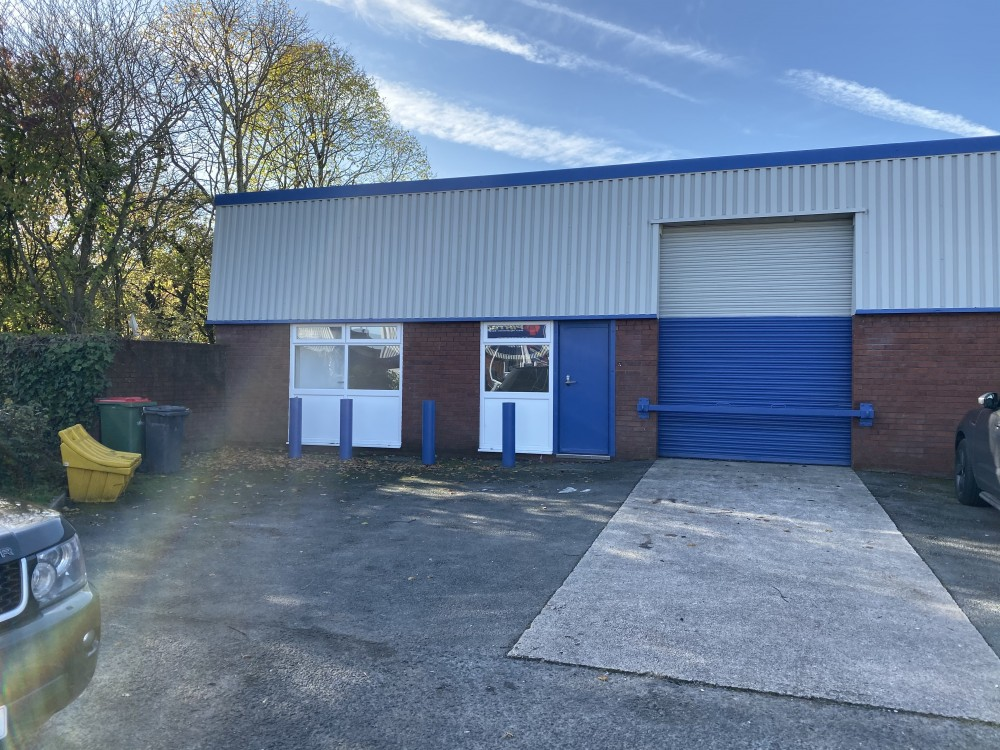 Unit 338, Walton Summit, Bamber Bridge, Preston PR5 8AR