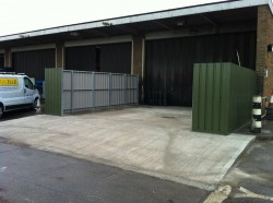 This was a new wash bay constructed for Mitchell Power Systems, a subsidiary company of Turner & Co.  To comlement this plastisol coated bay screens were erected on structural steel supports to protect passing pedestrian traffic.